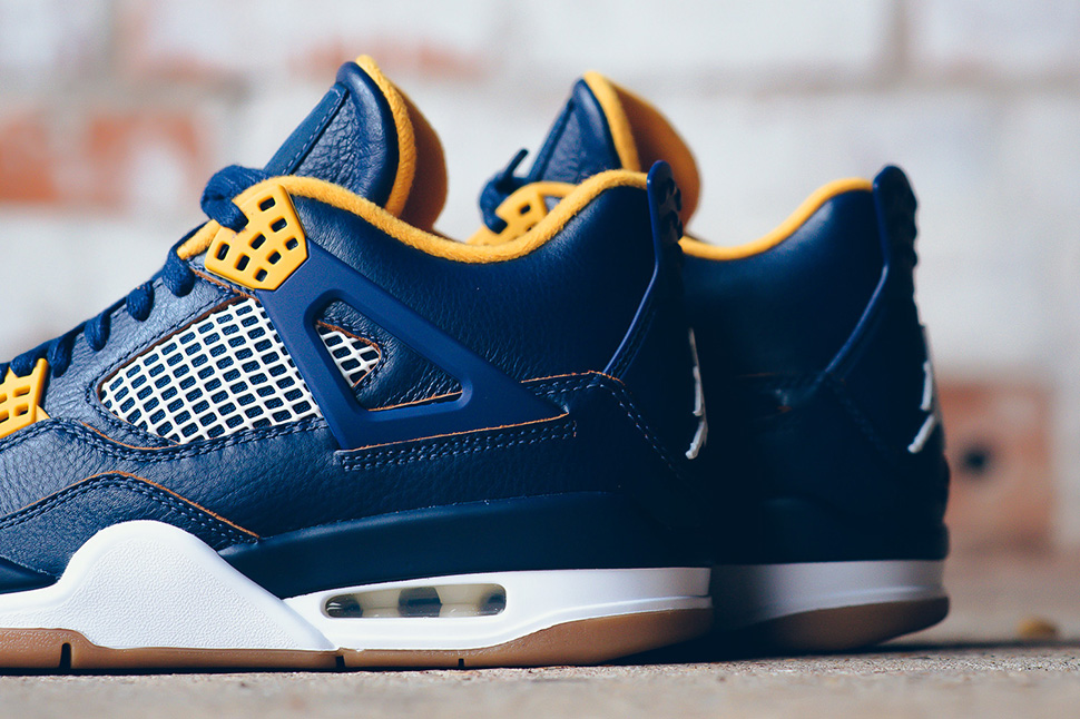 "Air Jordan 4 Retro ""Dunk from Above"" (Detailed Pics & Release Date)"