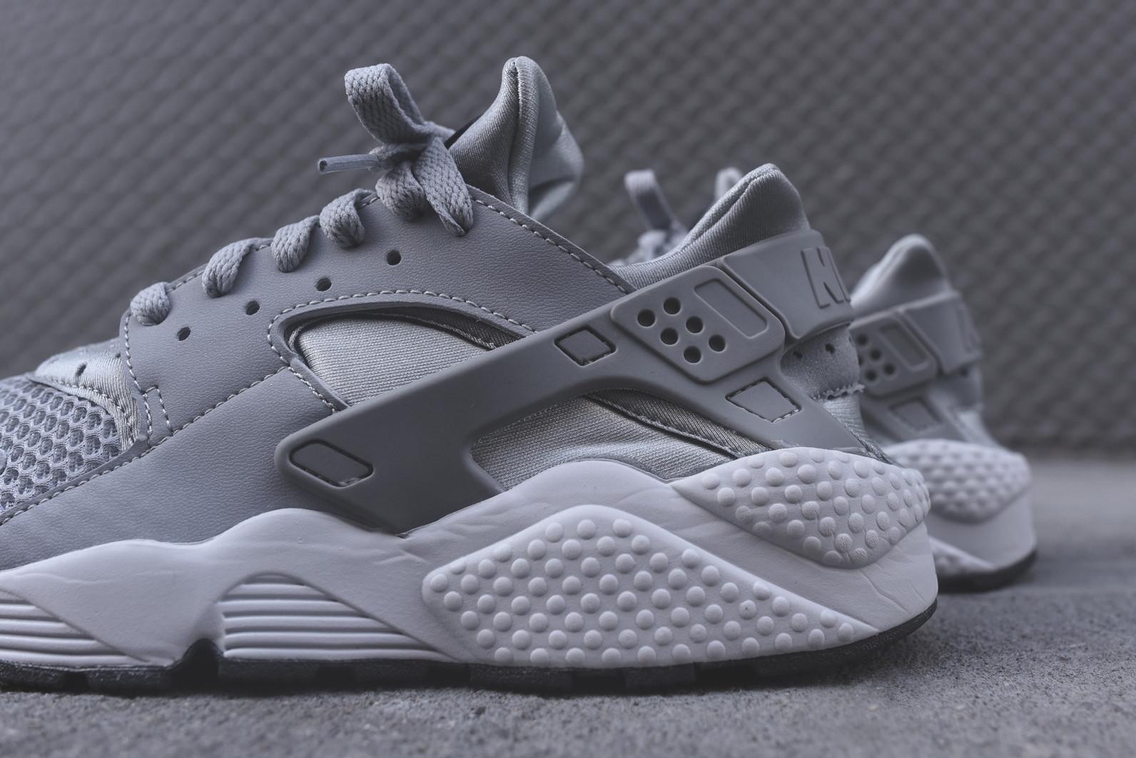 Nike Air Huarache - Wolf Grey / White