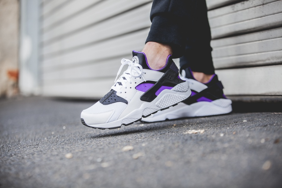 318429-105-Nike-Air-Huarache-Purple-Punch-Retro-2016-08
