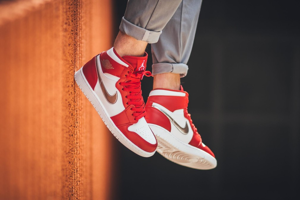 332550-602-air-jordan-1-retro-high-gym-red-silver-01