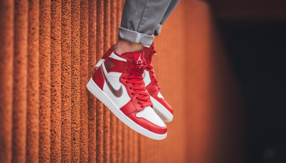 Air Jordan 1 Retro High Gym Red Silver