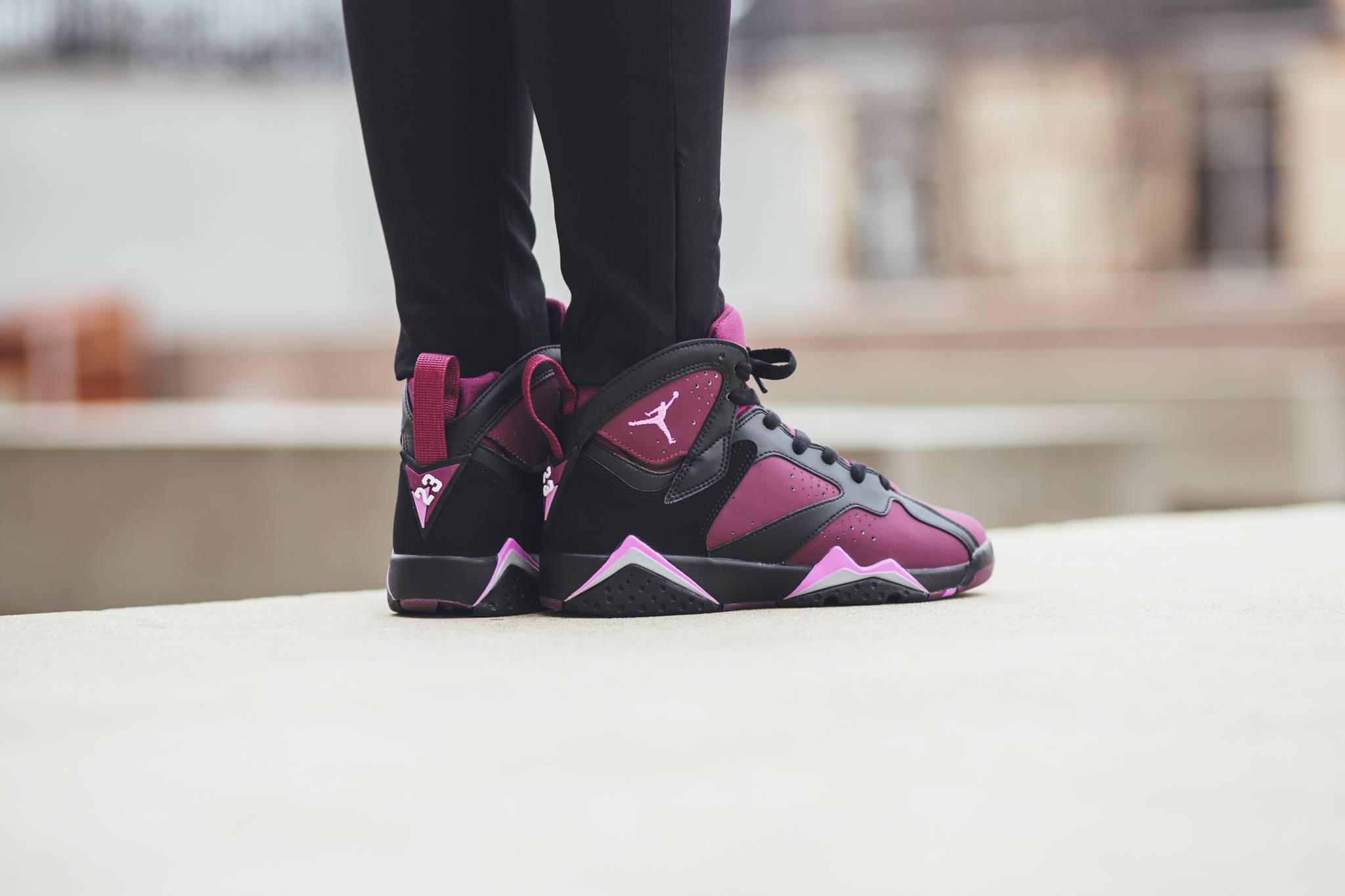 442960-009-air-jordan-7-retro-mulberry-02