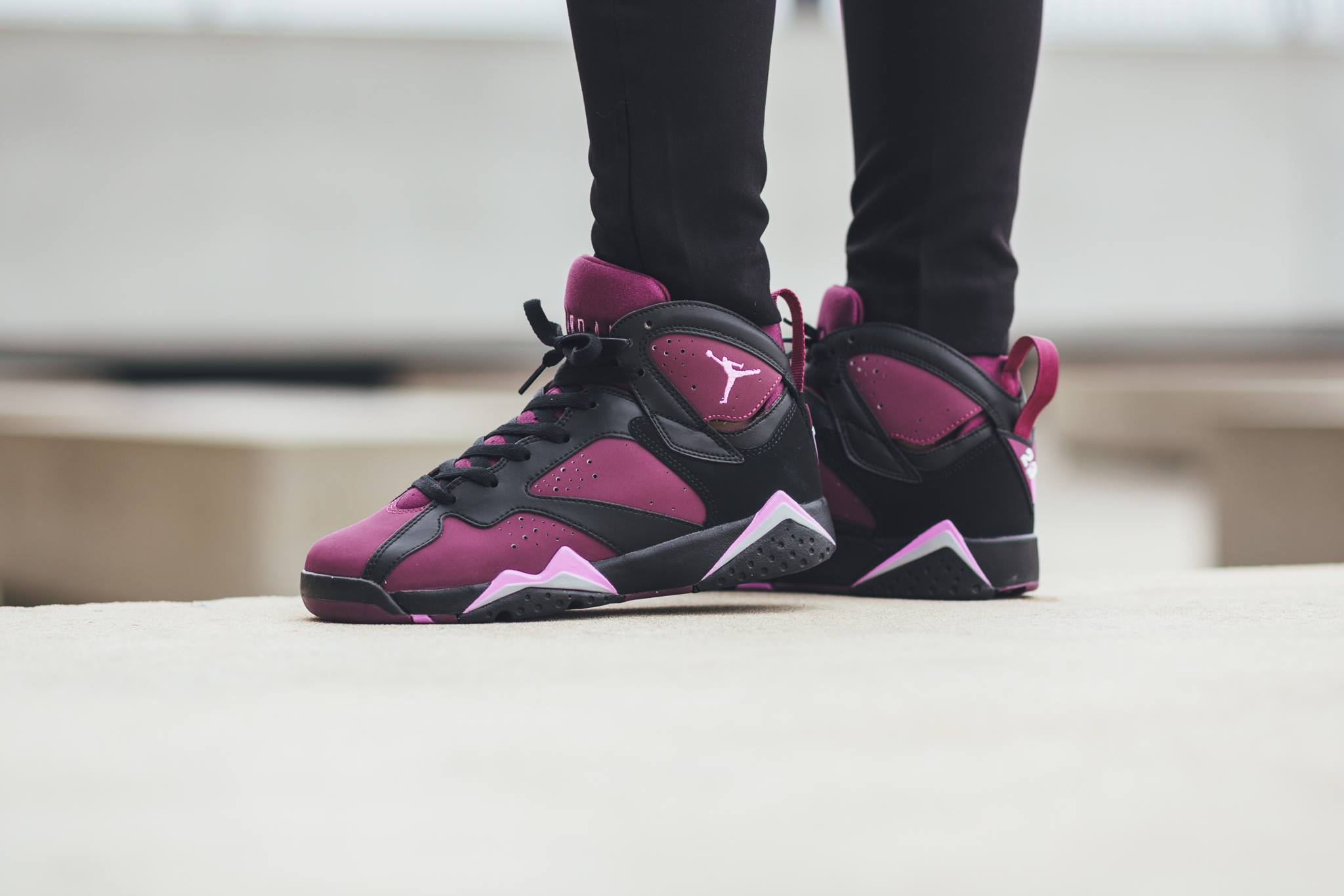 442960-009-air-jordan-7-retro-mulberry-03