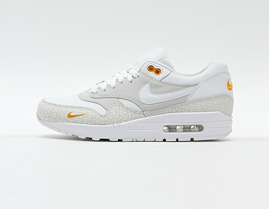 512033-110-nike-air-max-1-LTR-Premium-kumquat-01