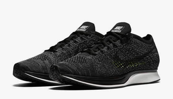 Nike Flyknit Racer Black
