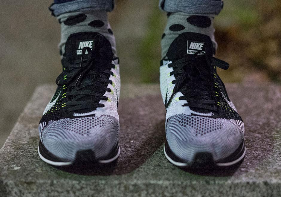 Nike Flyknit Racer Black Volt