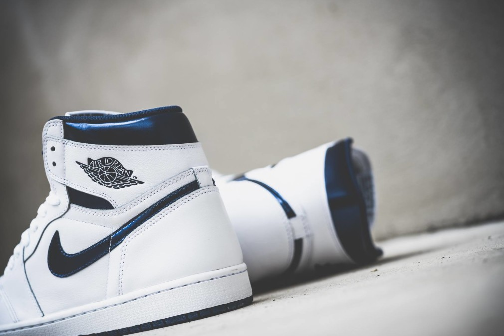 555088-106-Air-Jordan-1-Retro-High-OG-Metallic-Navy-02