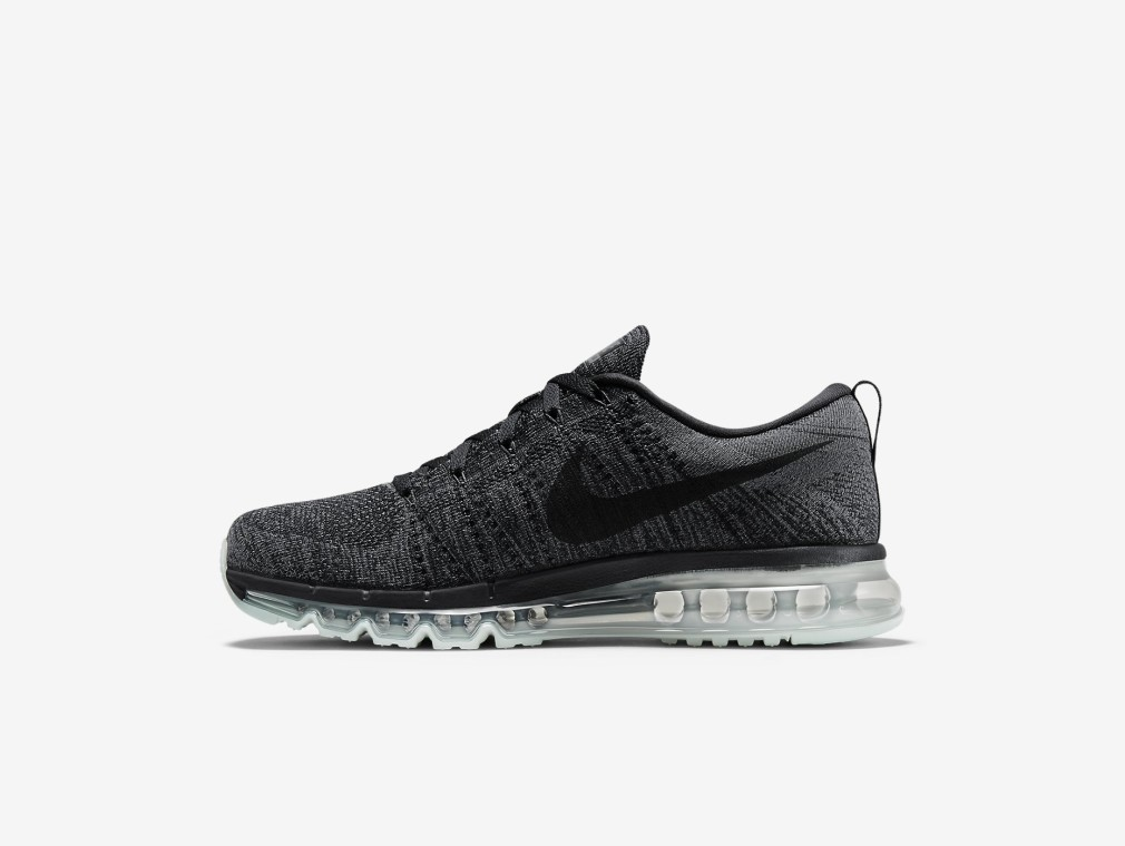 Nike Flyknit AirMax Oreo Colorway