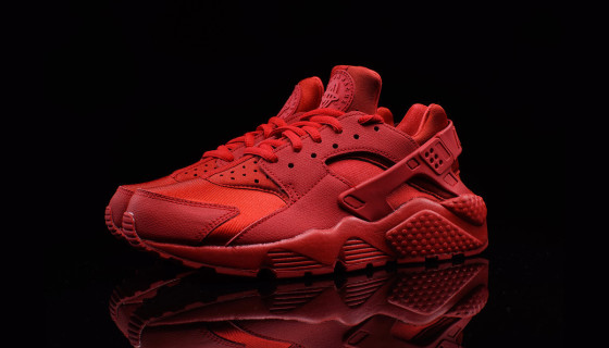Nike Wmns Air Huarache Triple Red