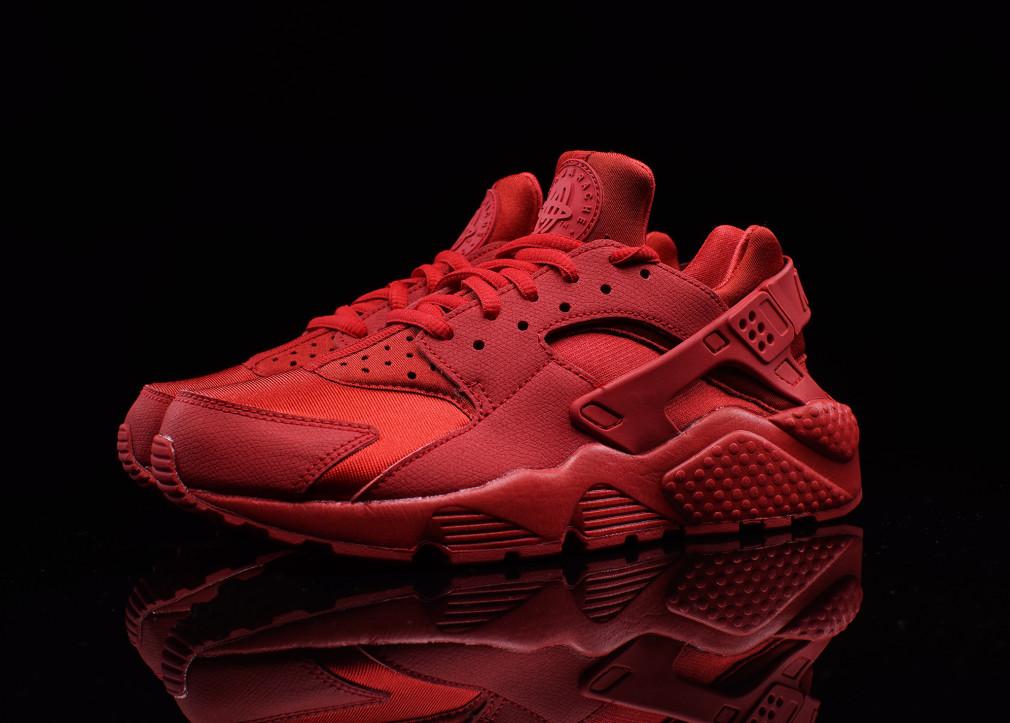 Nike Wmns Air Huarache Triple Red