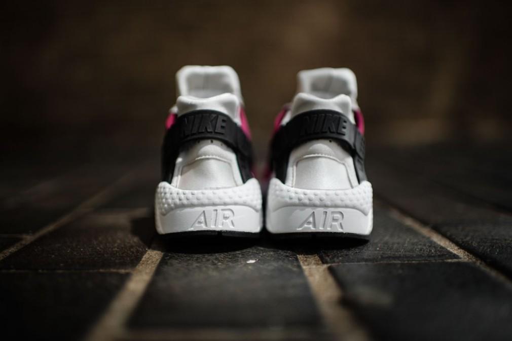 683818-006-Nike-Wmns-Air-Huarache-Premium-06
