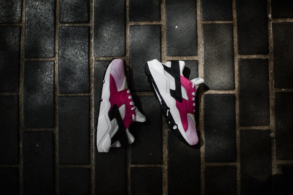 683818-006-Nike-Wmns-Air-Huarache-Premium-07