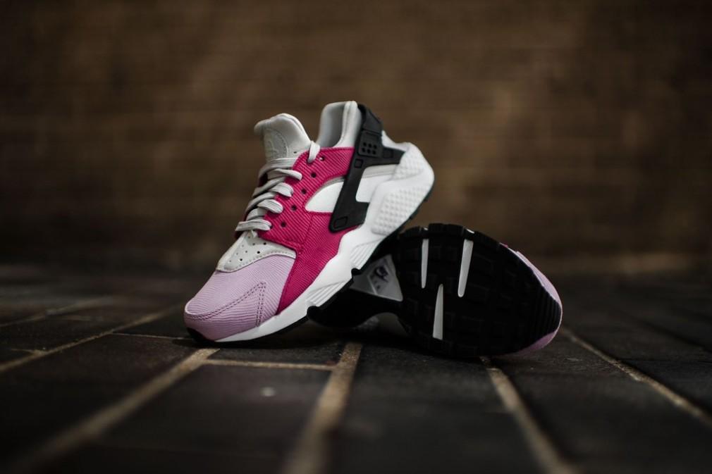 683818-006-Nike-Wmns-Air-Huarache-Premium-08