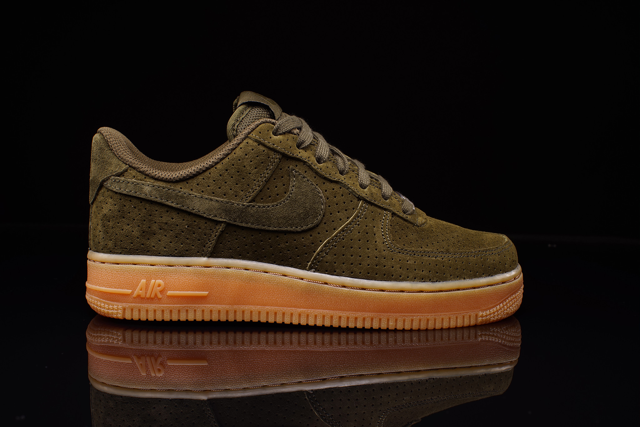 nike air force 1 suede dark loden gum wmns. Black Bedroom Furniture Sets. Home Design Ideas