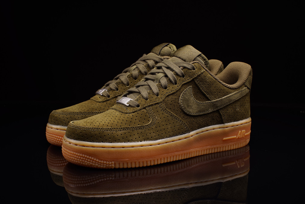 Nike WMNS AIR FORCE 1 SUEDE