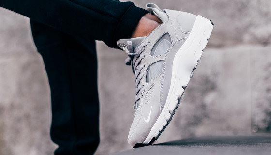 """Nike Air Trainer Huarache Low """"Wolf Grey"""" – Disponible"""