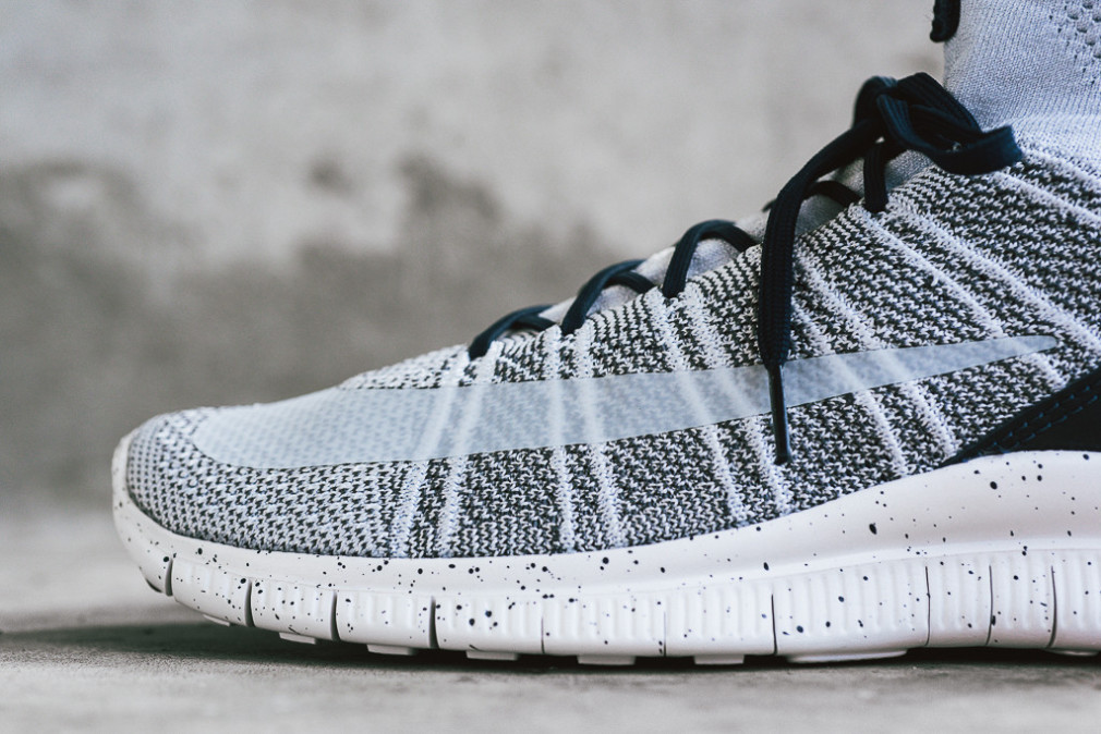 805554-001-nike-free-flyknit-mercurial-superfly-pure-platinum-2
