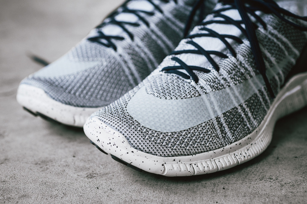 805554-001-nike-free-flyknit-mercurial-superfly-pure-platinum-4