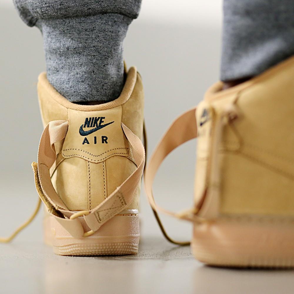 806403-200-Nike-Air-Force-1-High-LV8-3