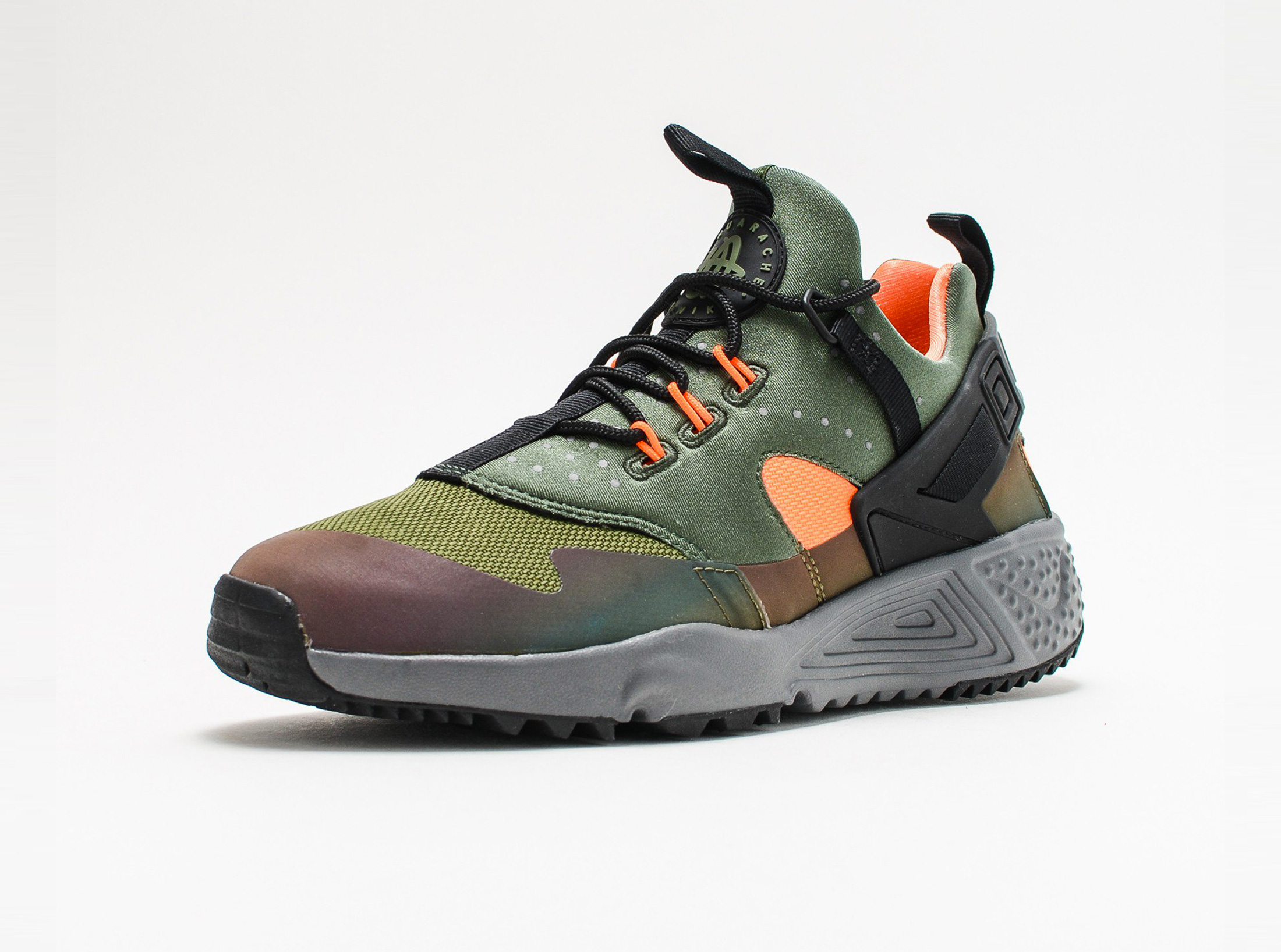 806979-300_sivasdescalzo-Nike-Air-Huarache-Utility-PRM-crbn-grn-ttl-orng-anthracite-806979-300-3