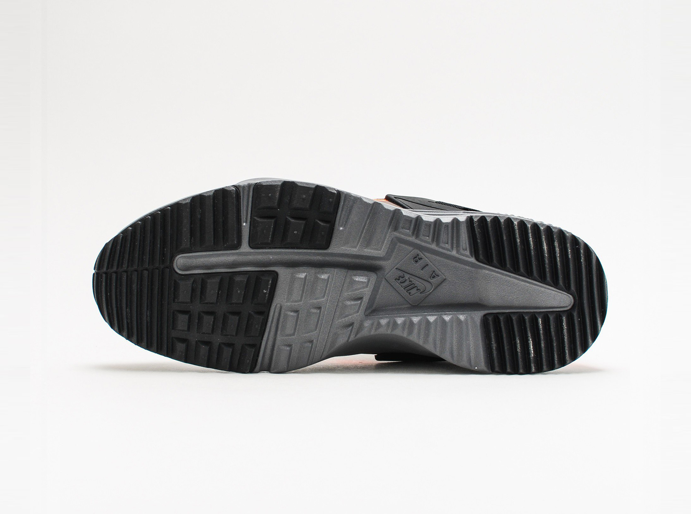 806979-300_sivasdescalzo-Nike-Air-Huarache-Utility-PRM-crbn-grn-ttl-orng-anthracite-806979-300-6