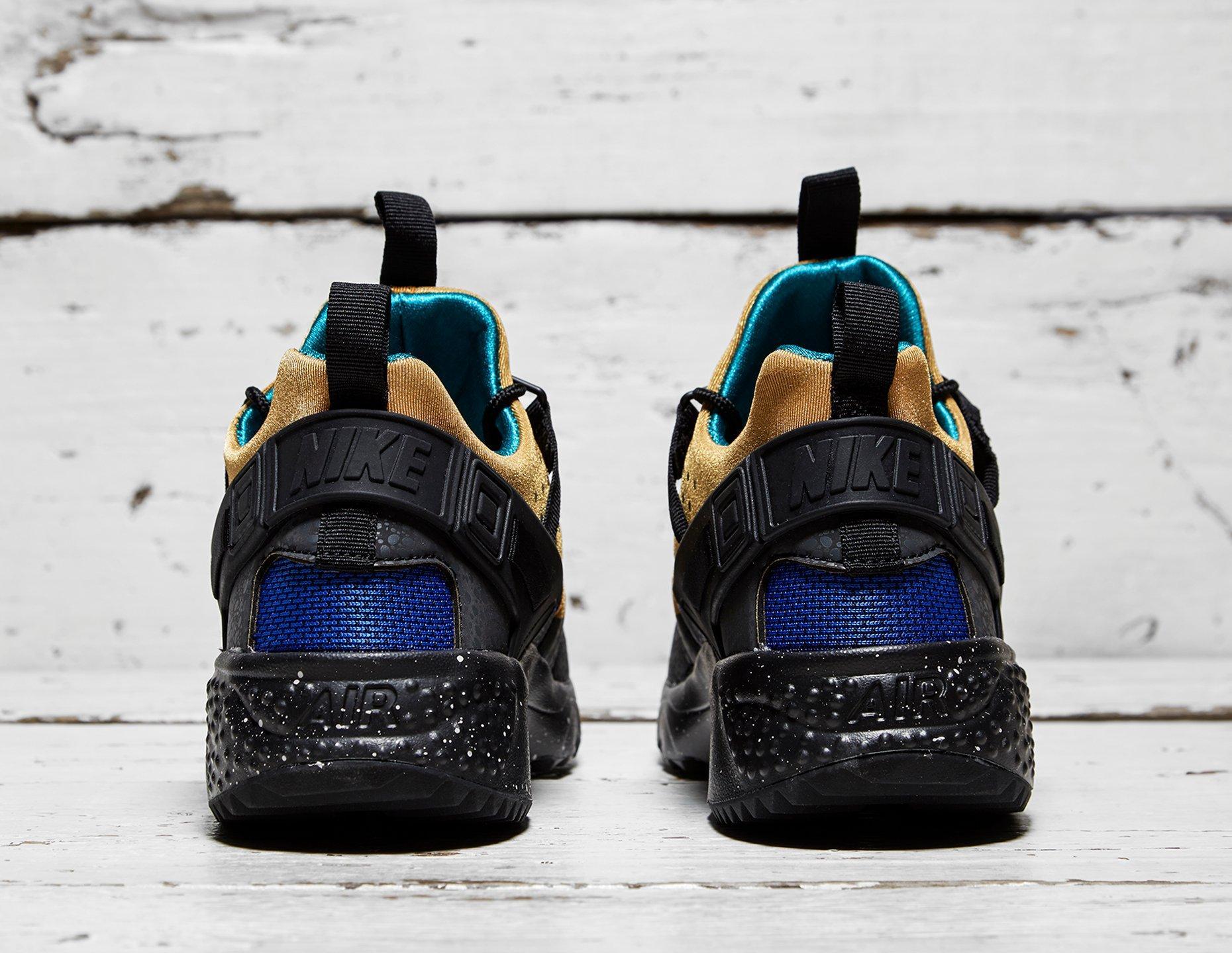 806979-700 Nike Air Huarache Utility