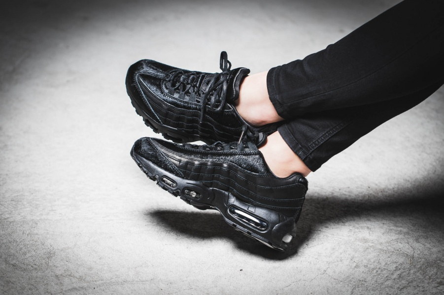 Nike Air Max 95 Black Pony