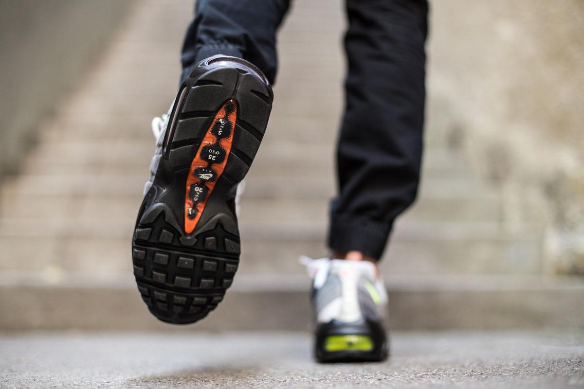 "Nike Air Max 95 OG QS ""Greedy"" : Release Reminder"