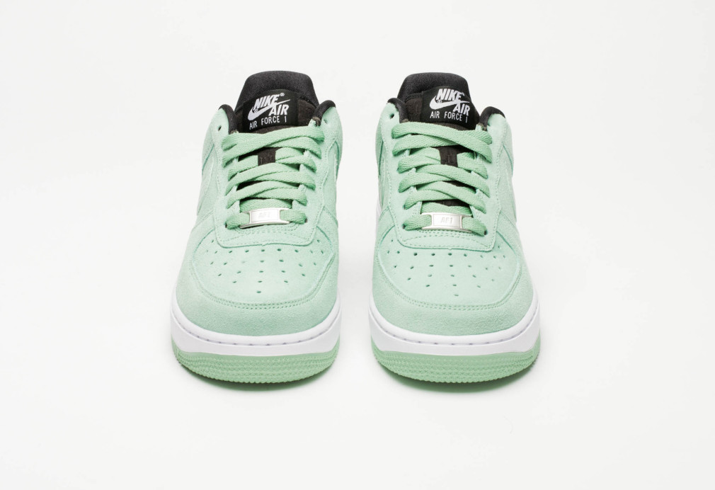 818594-300-nike-air-force-1-wmns-07-enamel-green-5