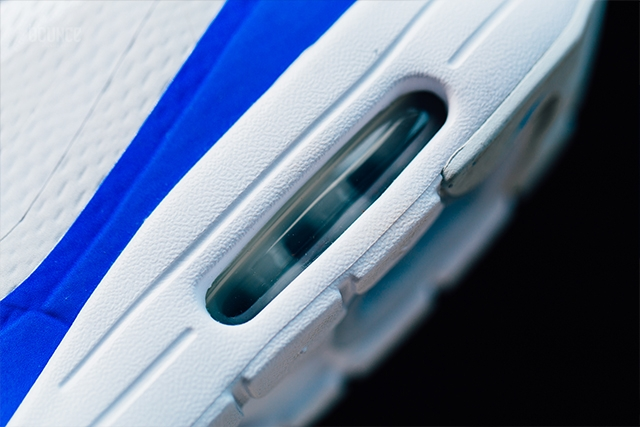 Nike-Air-Max-1-Ultra-Essential-Mini-Swoosh-Racer-Blue-07