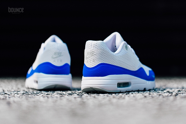 Nike-Air-Max-1-Ultra-Essential-Mini-Swoosh-Racer-Blue-04