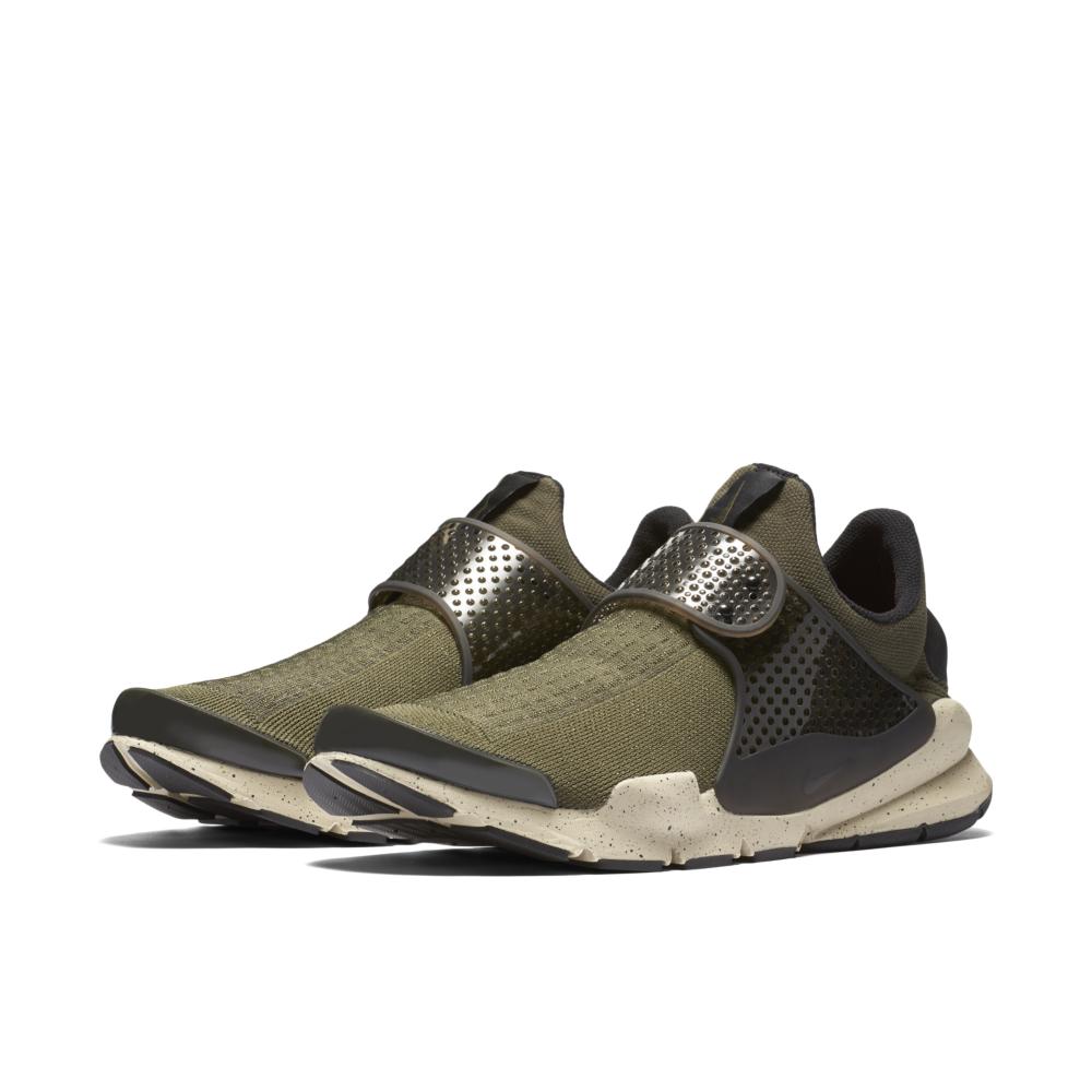 819686-300-Nike-Sock-Dart-Premium-01