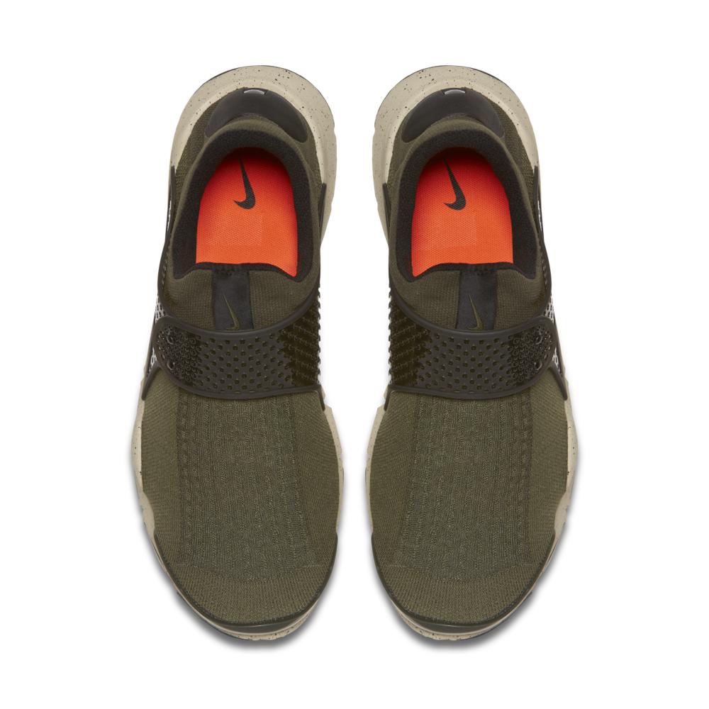 819686-300-Nike-Sock-Dart-Premium-03