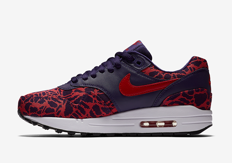819808-400-Nike-Wmns-Air-Max-1-JCRD-03