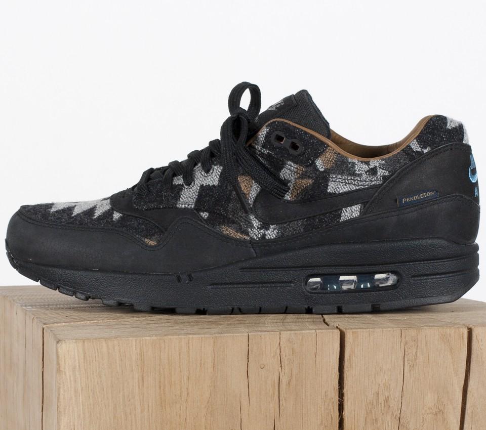 825861-004-Pendleton-x-Nike-Air-Max-1-PND-QS-01