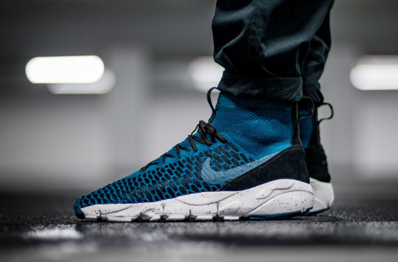 830600-300-NIKE-AIR-FOOTSCAPE-MAGISTA-FLYKNIT-FC-01