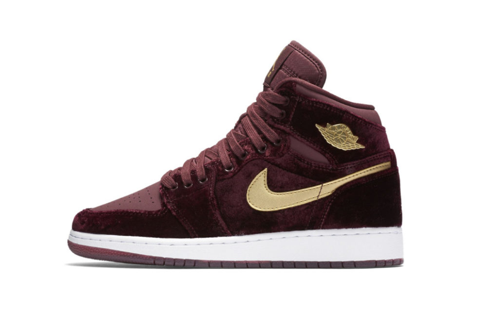 832596-640 air jordan 1 heiress velvet