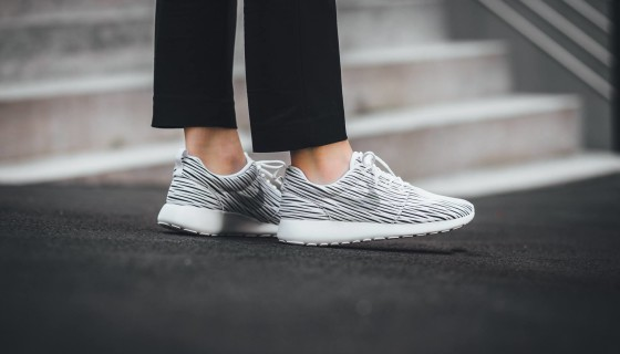 Nike Womens Roshe One ENG