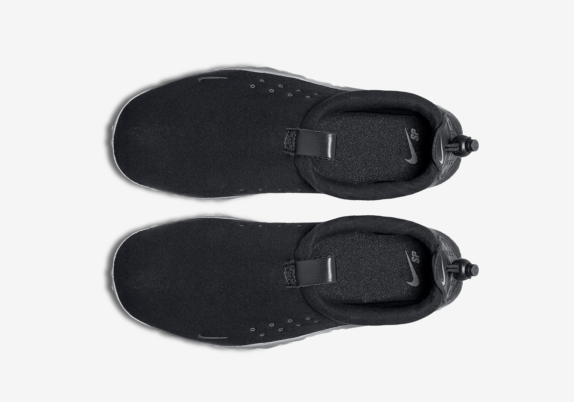 834591-010-nike-air-moc-tech-fleece-02