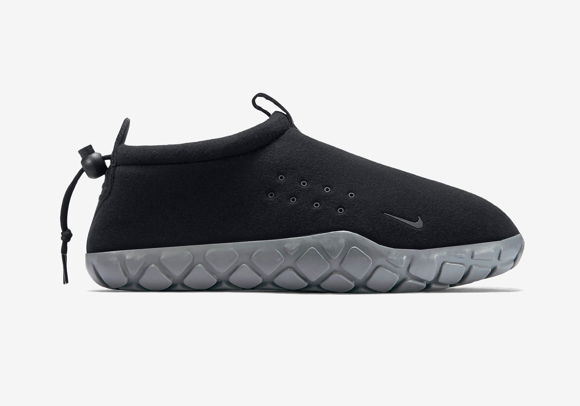 834591-010-nike-air-moc-tech-fleece-04