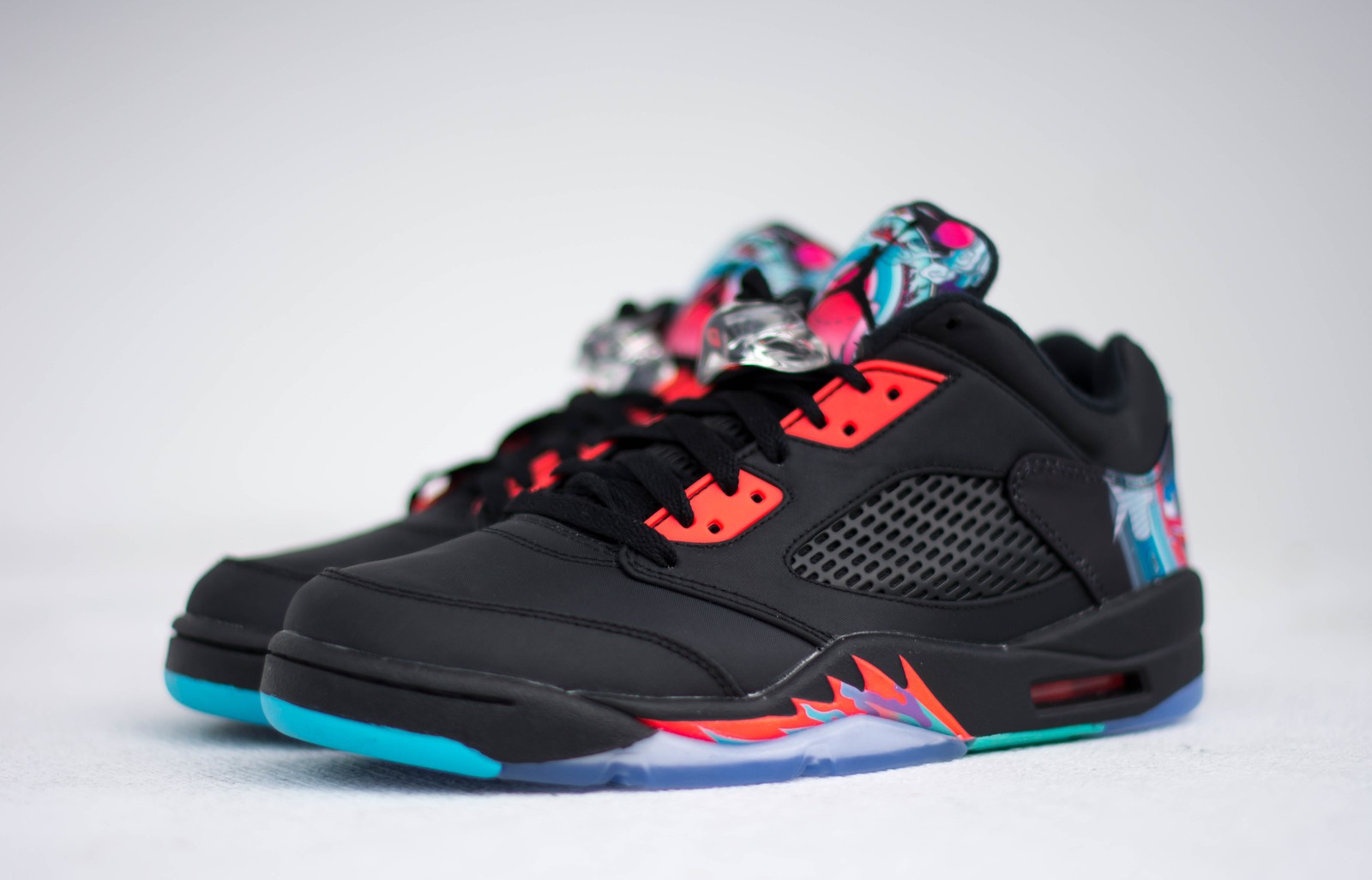 840475-060-air-jordan-5-low-chinese-new-year-2