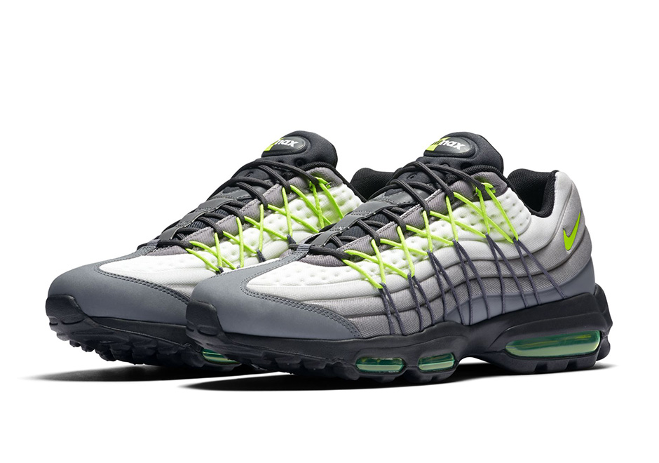 845033-007-nike-air-max-95-ultra-se-neon-01