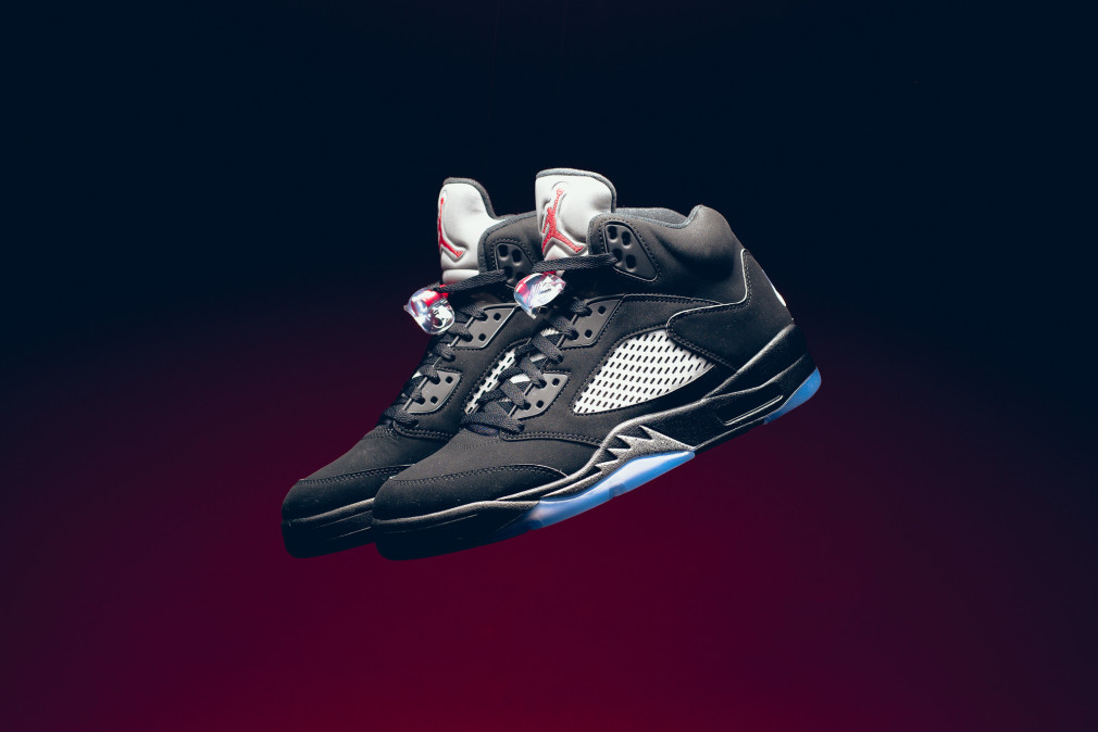 845035-003-air-jordan-5-retro-black-metallic-silver