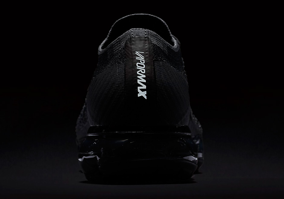 Nike VaporMax Triple Black
