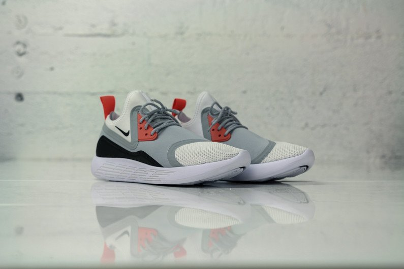 933811-010 Nike LunarCharge Infrared