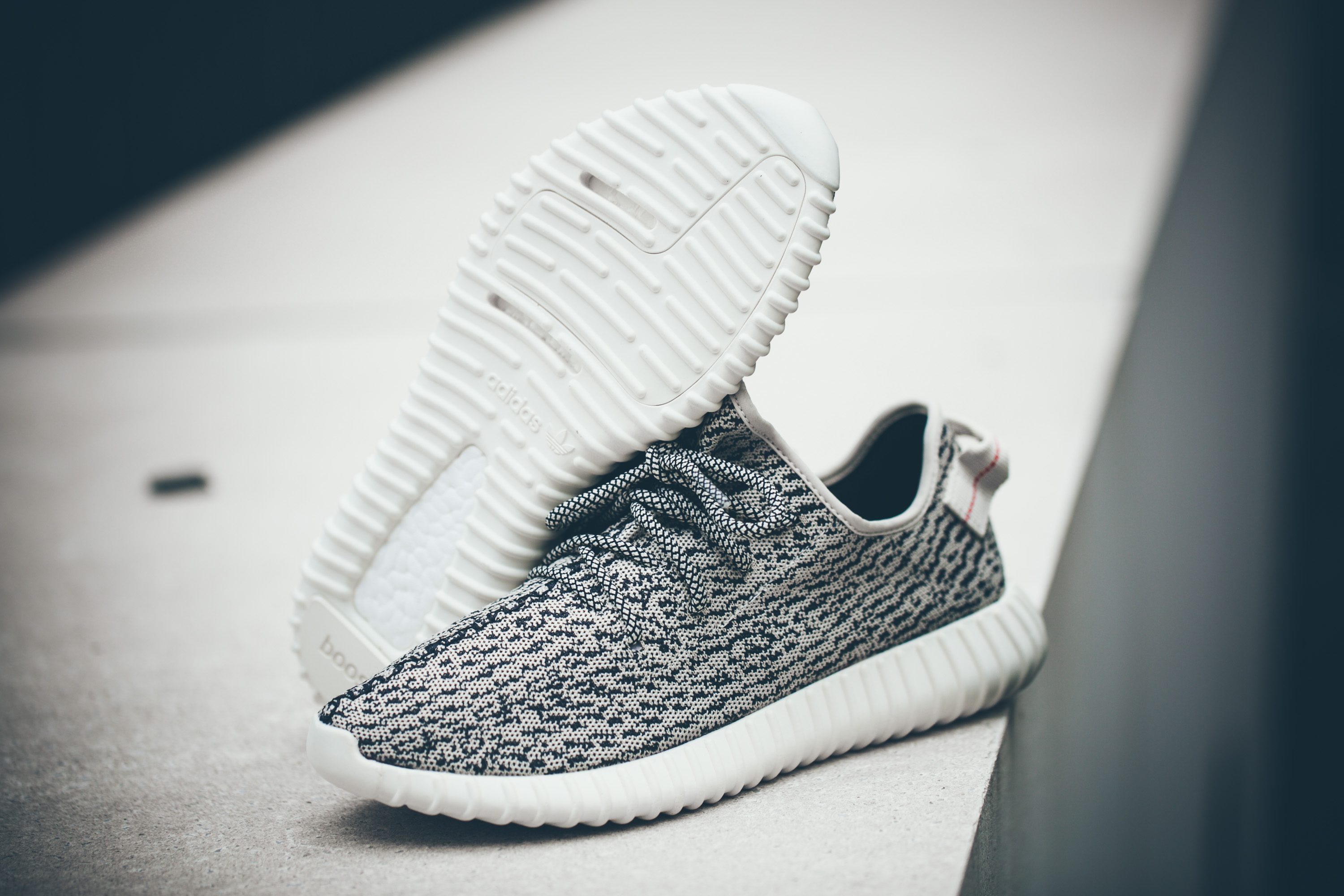 adidas consortium x kanye west yeezy 350 boost low