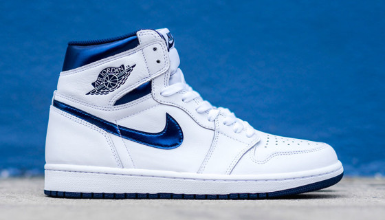 Air Jordan 1 High OG Metallic Navy