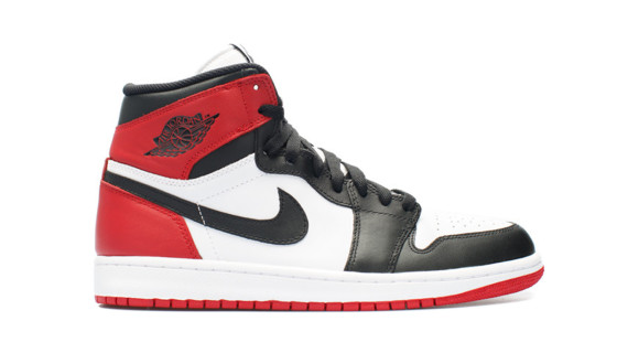 Air Jordan 1 Retro High OG Black Toe 2016
