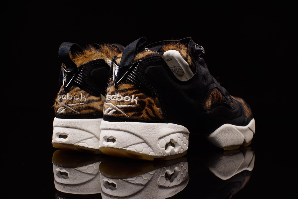 aq9213-disney-reebok-instapump-fury-shere-khan-the-jungle-book-04