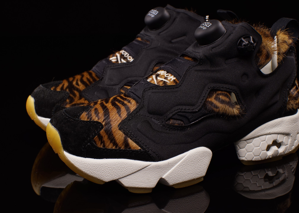 aq9213-disney-reebok-instapump-fury-shere-khan-the-jungle-book-02